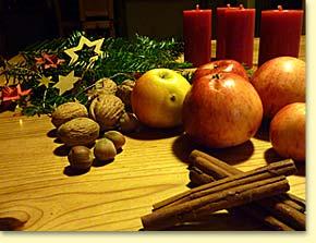 Ein feierlicher Gemeindenachmittag im Advent bei Kerzenschein - stimmungsvoll, besinnlich und wissenswert.