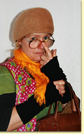 Tante Gertrud räumt auf